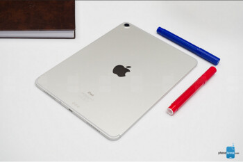 Apple executive says bent iPad Pro units still meet company standards