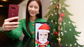 LG releases 10 holiday-themed AR stickers for the V40 ThinQ