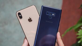 Apple and Samsung dominated premium smartphone sales during Q3