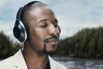 Deal: Sony's WH-1000XM2/B wireless noise-canceling headphones are 45% off on Amazon