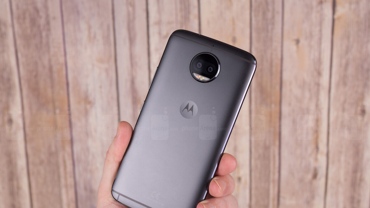 Moto G5S Plus hits all-time low price of $168 in clearance deal, optional freebies included