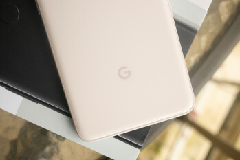 Google hops on the high-end bandwagon, benchmarks a 'Coral' with Snapdragon 855 and Android Q
