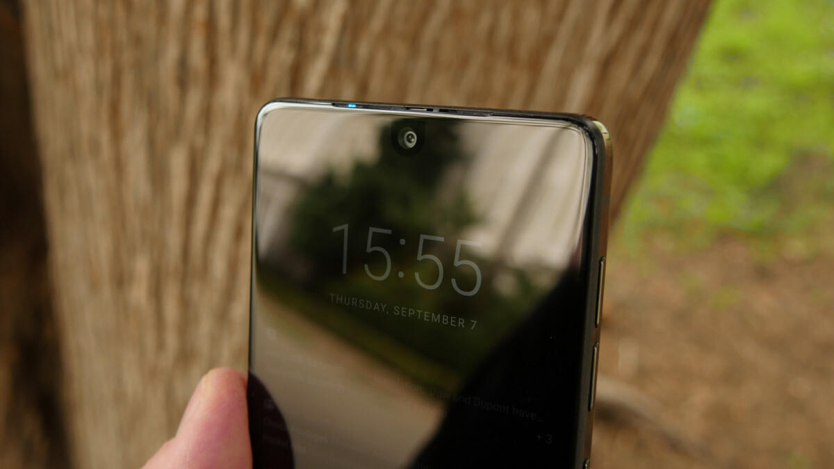 LG's smartphones could soon adopt the waterdrop notch