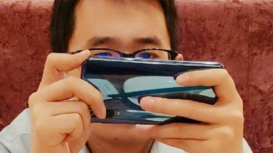 Photo leaked by Xiaomi executive shows triple camera setup for Mi 9