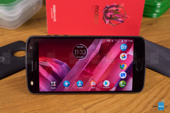 Moto Z2 Play price goes down to $168 ($240 off list) for Verizon subscribers at Best Buy
