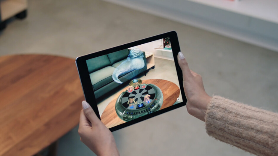 Apple getting closer to an AR product release, names company veteran head of AR marketing