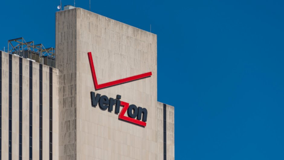 Verizon sued for failing to deliver promotional Amazon Echo offer to new subscribers