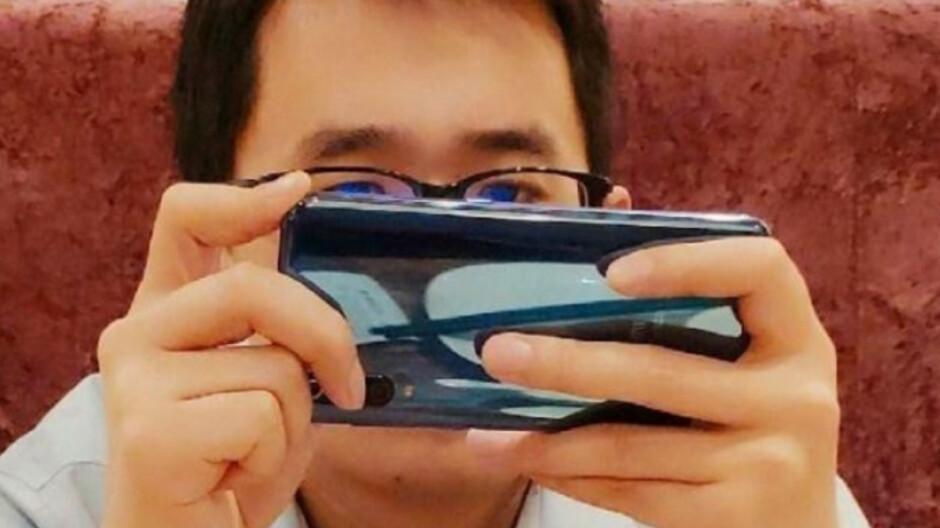 Live photo of Xiaomi Mi 9 leaks