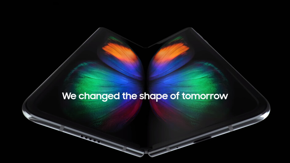 Samsung executive explains why the company decided to have the Galaxy Fold close inwards