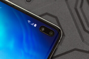Now that the Galaxy S10 is here, do you like its hole-in-display design?