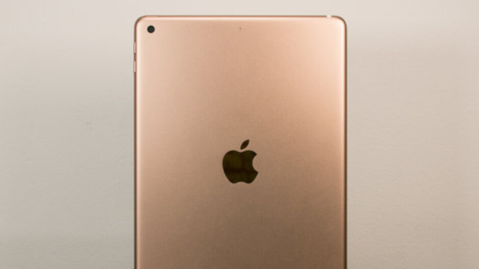 Report says that the seventh-generation Apple iPad will keep three old features
