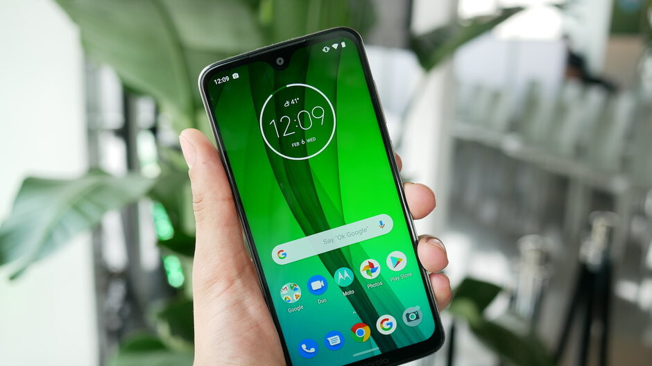 Amazon, Motorola, and Best Buy are all offering $30 discounts on the new Moto G7