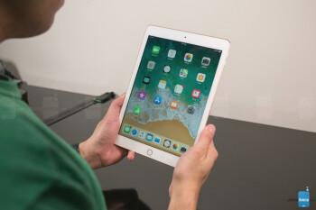 Deal: Save big on Apple's latest 9.7-inch iPad at Amazon and Walmart