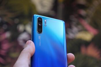 Huawei P30 Pro NIGHT Camera Comparison vs Galaxy S10 Plus vs Pixel 3