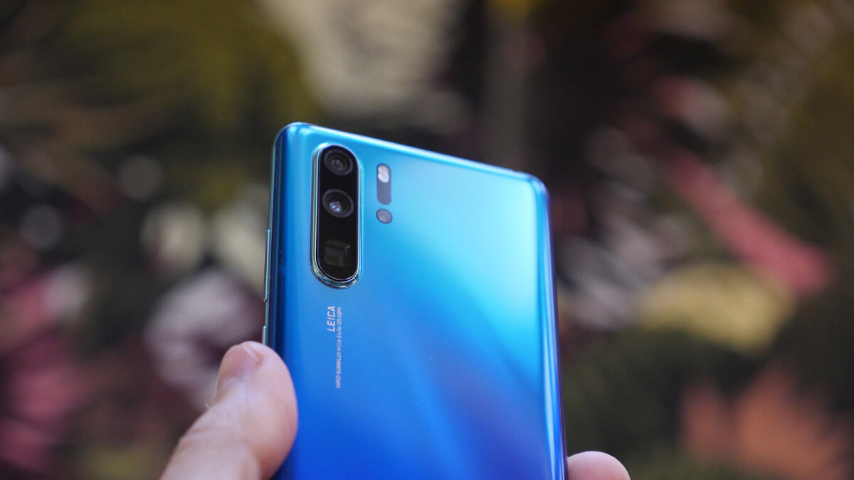 Huawei P30 Pro NIGHT Camera Comparison vs Galaxy S10 Plus vs Pixel 3
