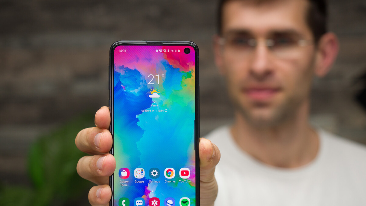 Deal: Samsung Galaxy S10e is $150 off at Walmart (with AT&T, Verizon, or Sprint monthly installments)