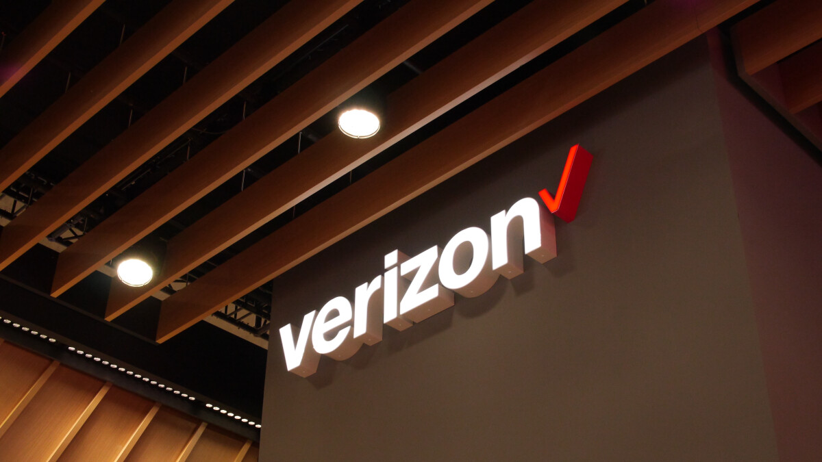 Verizon raises in-store activation and upgrade fees, reduces those made online
