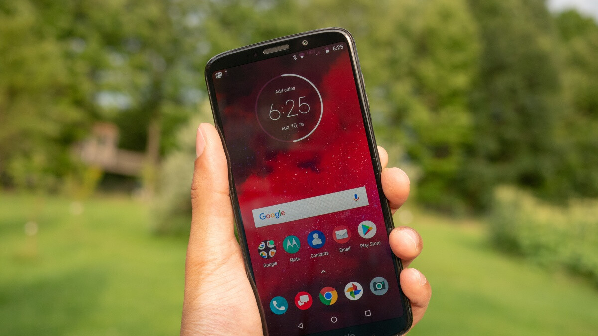 Verizon's 5G-upgradeable Moto Z3 gets a big discount and cool freebie at Best Buy
