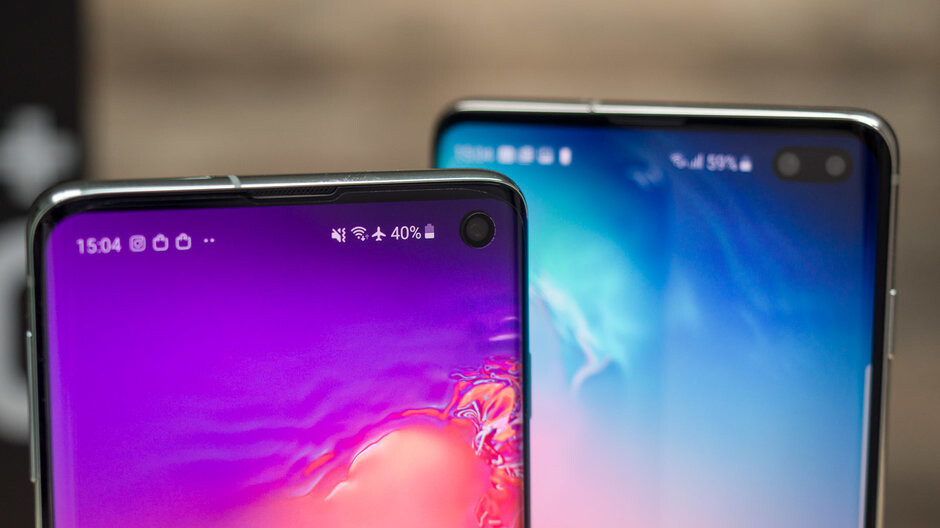 Adding notification light to the Galaxy S10 - Samsung Good Lock vs Arc and Holey Light apps