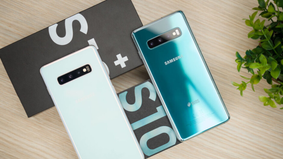 """Samsung says its Galaxy S10 series had """"solid sales"""" for the first quarter"""