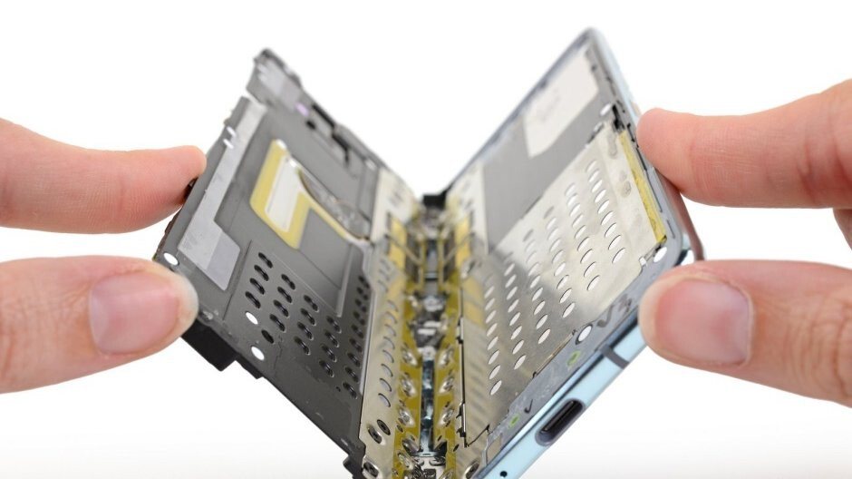 Samsung requests that iFixit takes down its Galaxy Fold teardown analysis