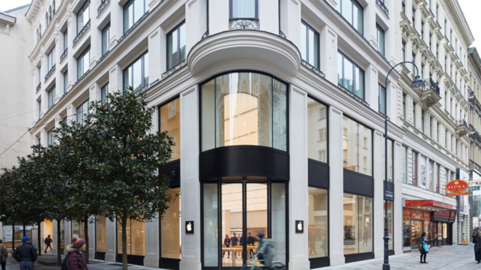 Apple looks to open its first store in one of the world's biggest smartphone markets