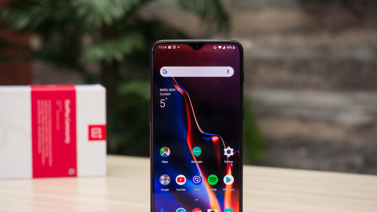 The OnePlus 6T is getting a decent price cut in the US