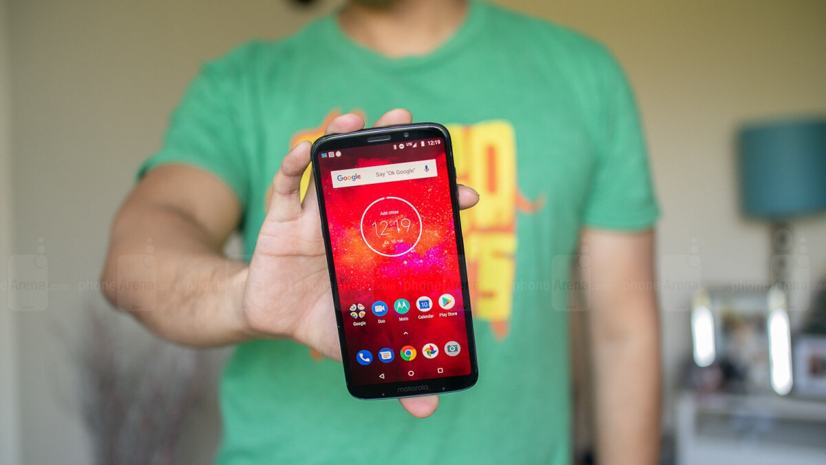 Unlocked Moto Z3 Play goes 50 percent off list at Fry's with free Moto Mod included