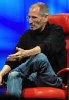 Steve Jobs says when it comes to the iPhone in the U.S., 2 carriers could be better than 1
