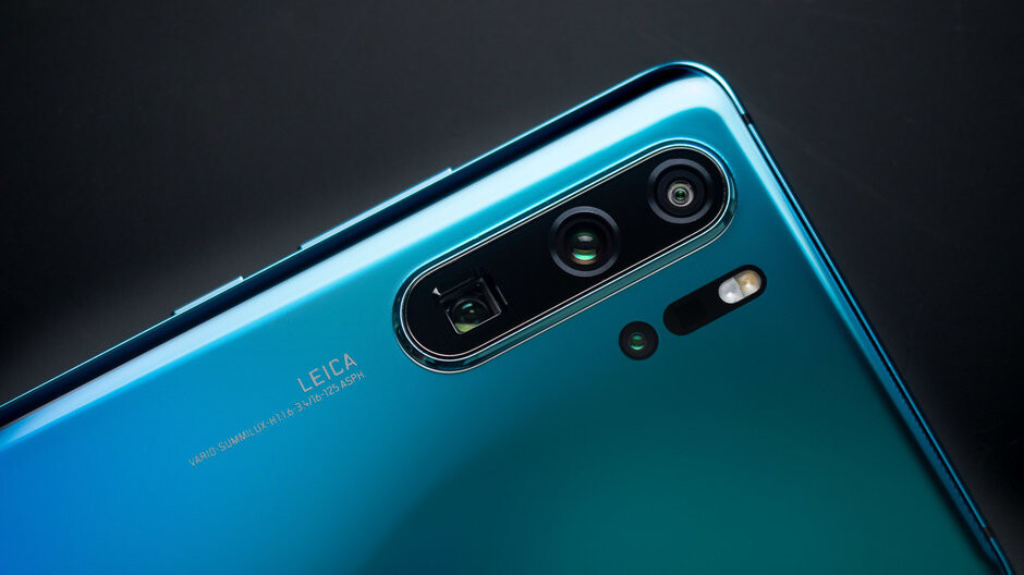 Huawei P30 Pro got a big camera update to tame the yellow pixels, did it work?