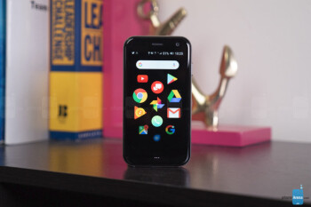 Palm opens pre-orders for its standalone smartphone, offers free leather case
