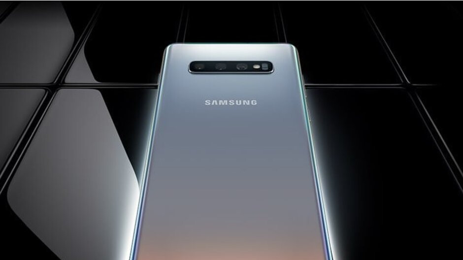 This is how the silver Galaxy S10+ looks... you still can't have it, though!