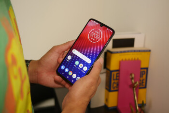 Motorola will only release the Android Q update for Moto Z4