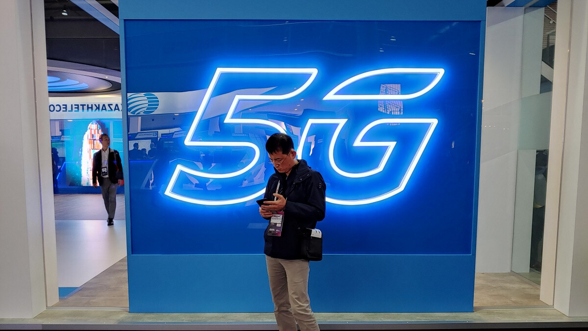 5G smartphones will remain a rare sight this year, growing to dominance by 2023
