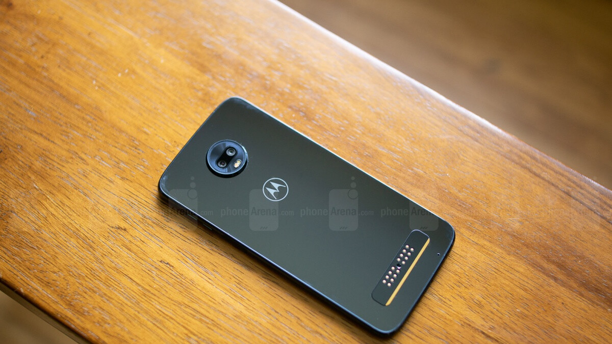Motorola is incredibly offering a free 32GB Moto Z3 Play with every 64GB purchase