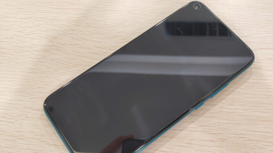 The downgraded Huawei Mate 30 shows up in live images