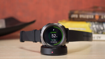 Deal-Get-a-free-Samsung-Gear-Sport-watch-when-you-buy-any-Galaxy-S10-phone.jpg