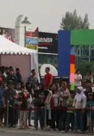 Thousands line up across Indonesia as people try to grab the Nokia C3