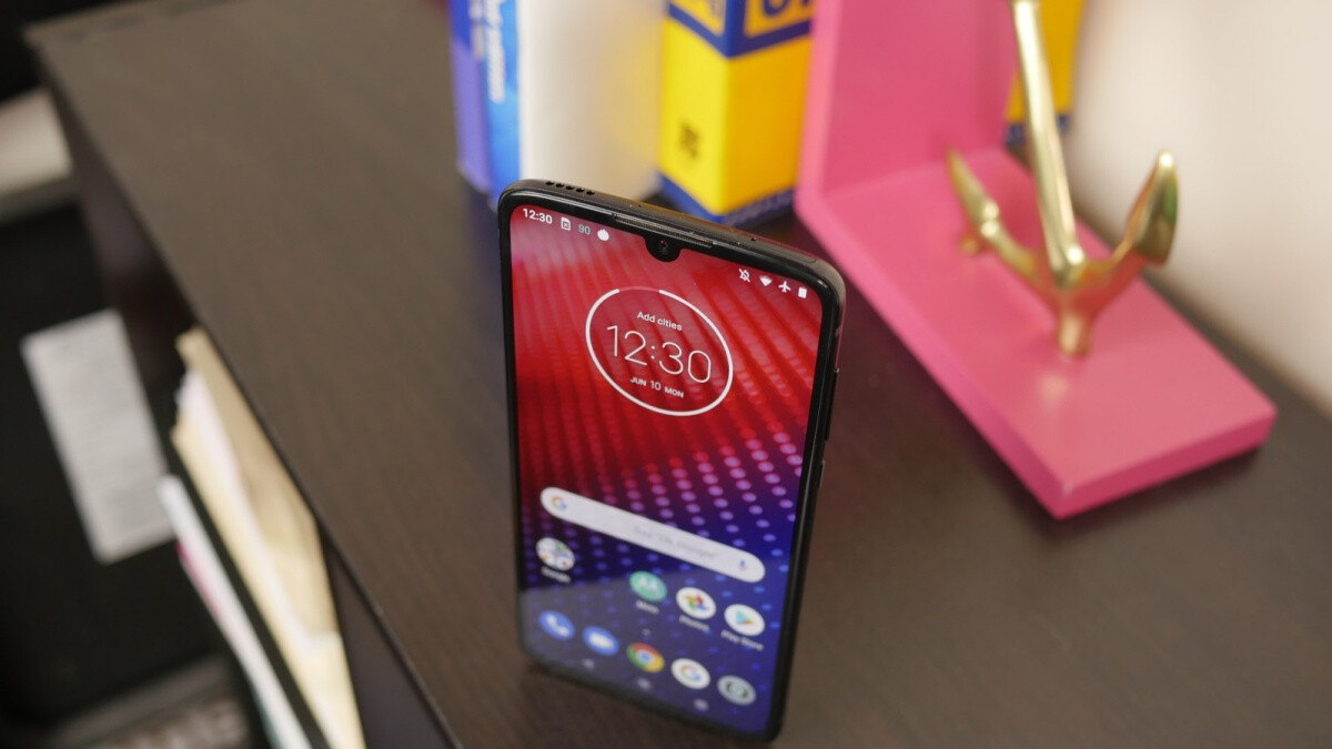 Best Buy has the Moto Z4 on sale for under a buck a month with Verizon installments