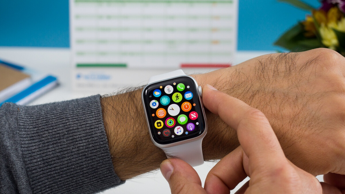 Why is everyone so far behind Apple in the smartwatch market?