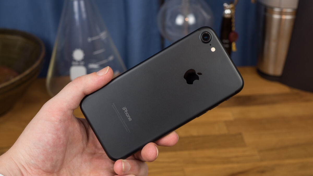 Apple's classic iPhone 7 goes down to a crazy low $190 in 128GB variant (refurbished)
