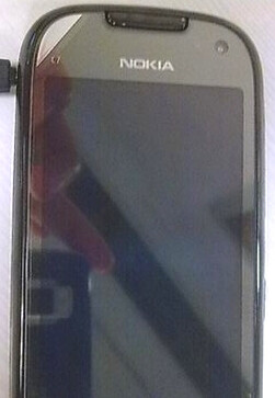 Nokia C7 sees the daylight in leaked pictures