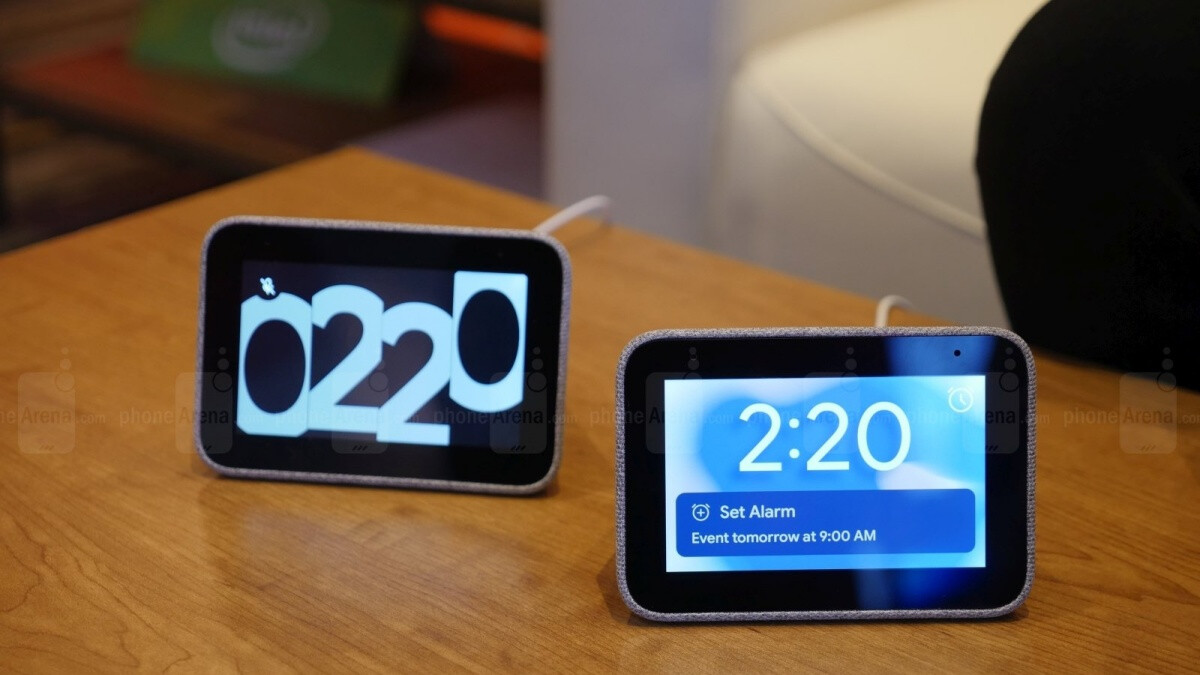 These deeply discounted Lenovo Smart Clock and Smart Displays are great Echo Show alternatives