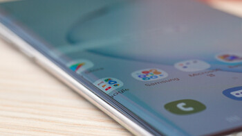 Now-that-we-have-two-Galaxy-Notes-can-we-get-one-with-a-flat-display.jpg
