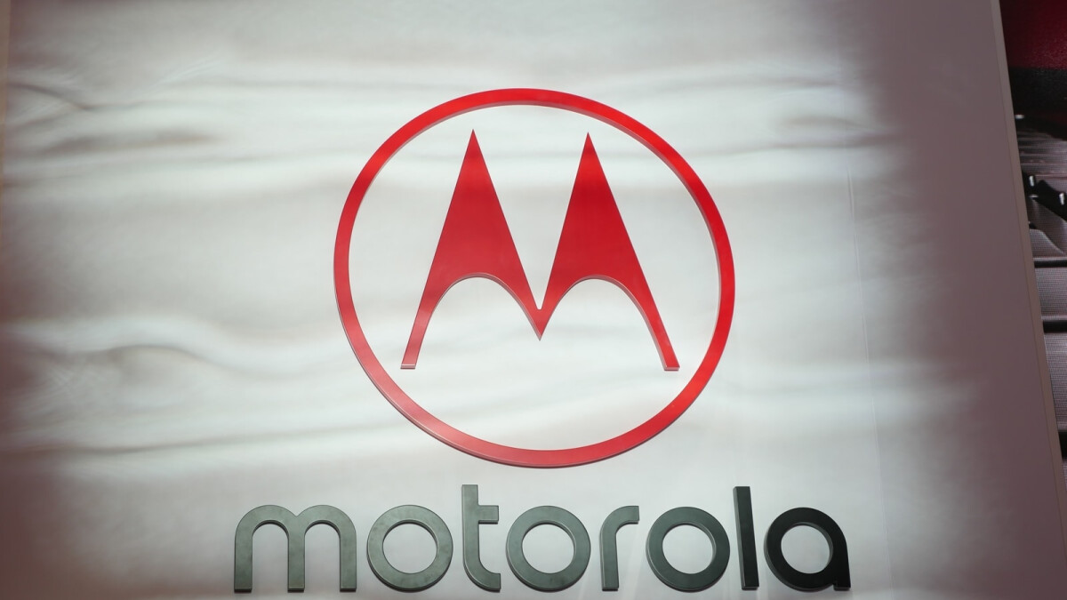 Motorola's first phone with a pop-up camera has leaked