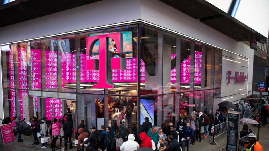 Boomers can get two unlimited lines for only $55/month from T-Mobile