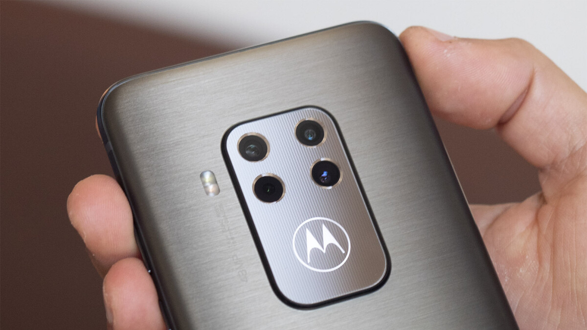 The interesting Motorola One Zoom is already $50 off in the US