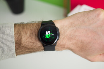 Samsung's first-gen Galaxy Watch Active is on sale at a cool $40 discount with a 1-year warranty