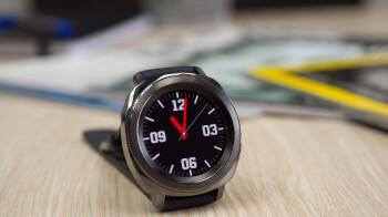 Deal: Samsung Gear Sport smartwatch is 40% off on Amazon (US version)