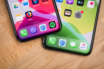 Apple warns 2019 iPhone owners not to use third party displays